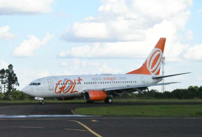 Avião da Gol no Aeroporto Francisco de Matos Pereira, em Dourados - Crédito: Hedio Fazan/Arquivo/Dourados News