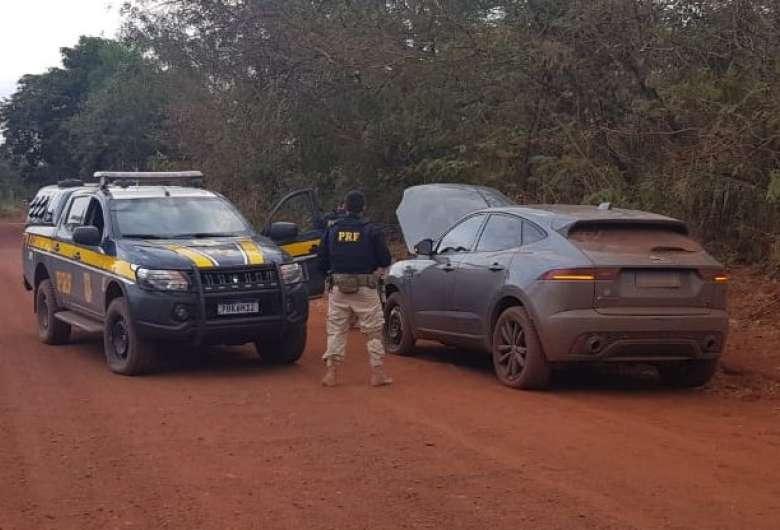 Veículo roubado no RJ foi recuperado - Crédito: Divulgação PRF