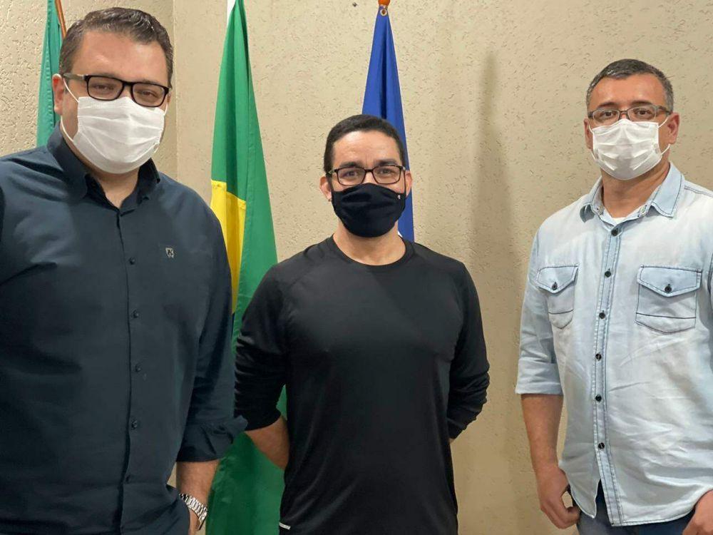Da esquerda para a direita, Alan Guedes, Waldno Lucena e Edvan Marques (Foto: Divulgação/Assecom)