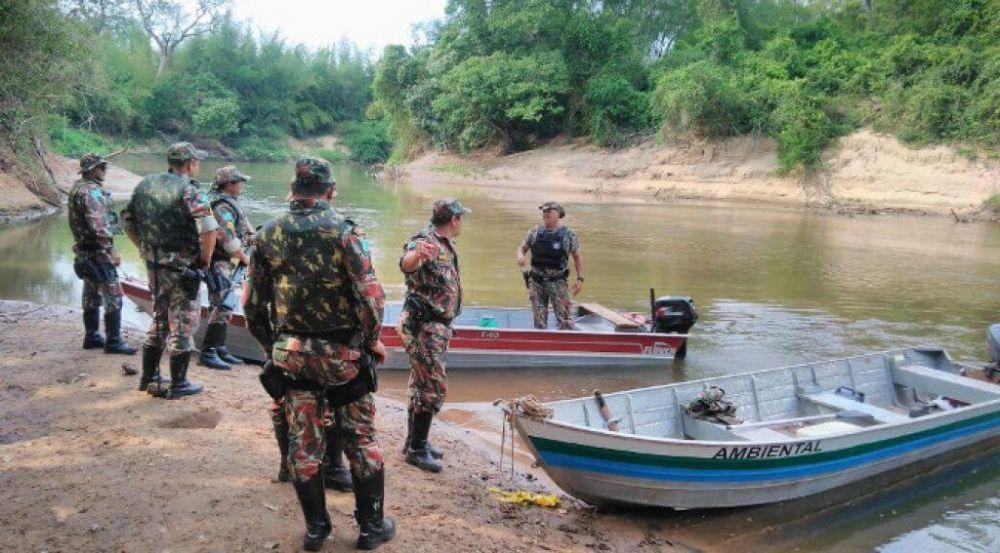 Nesses dias, 280 homens participaram da operação para prevenir e combater infrações e crimes que pudessem degradar esses recursos naturais (Foto: Polícia Militar Ambiental)
