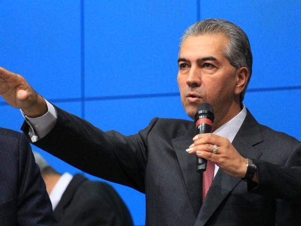 Reinaldo Azambuja está entre os governadores que mais cumprem compromissos de campanha