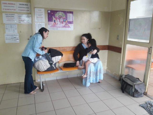 As mães levaram os pequenos para vacinar nesta sexta-feira, último dia da campanha (Izabela Sanchez)