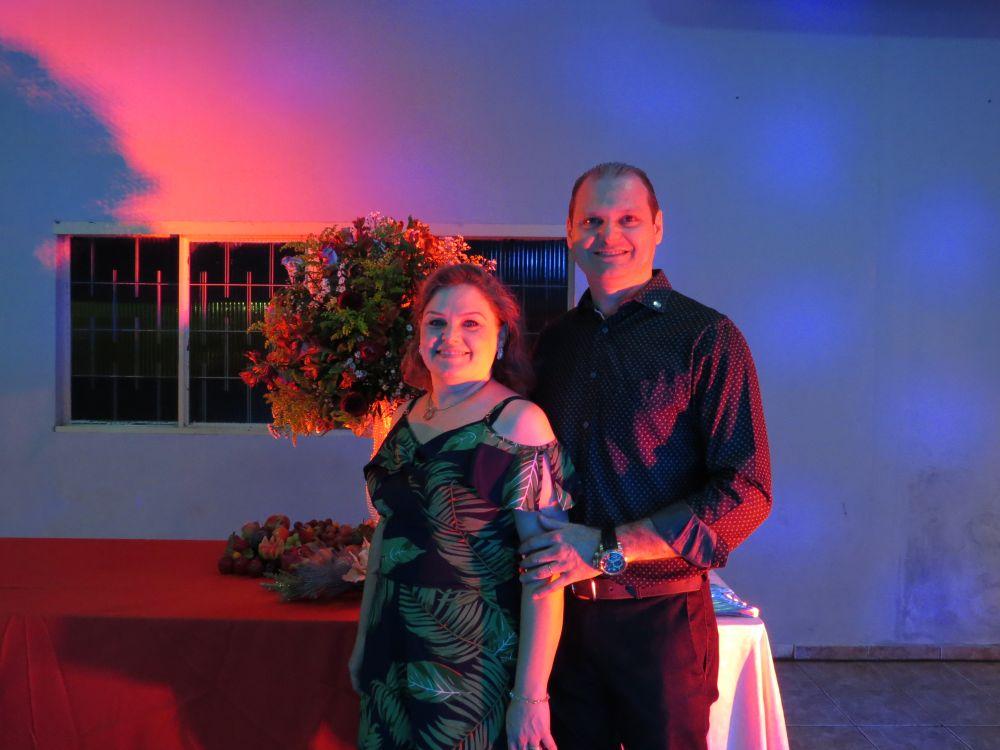 Empresário Edilson Bigatão com sua esposa Milena. Foto: Diário Itaporã