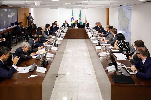 Todos os ministros participam das conversas que ocorrem no Salão Oval, no 2º andar do Palácio do Planalto - Crédito: Agência Brasil