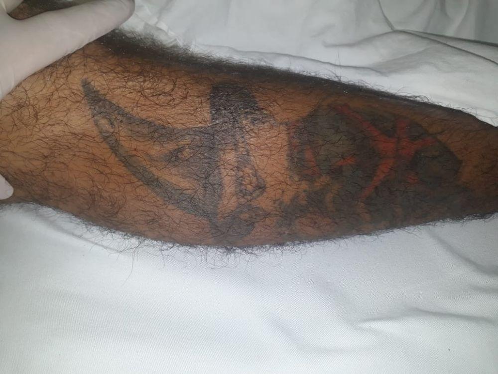 Rapaz possui várias tatuagens pelo corpo - Crédito: Divulgação