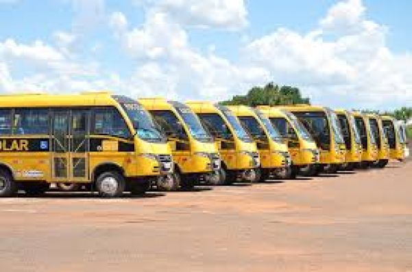 Já são oito ônibus parados por falta de manutenção - Foto: A. Frota