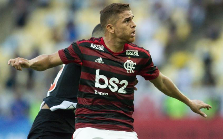 Cuéllar diz desconhecer propostas para sair do Flamengo(Foto: Celso Pupo/Fotoarena)