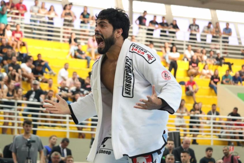 Faixa-preta Dimitrius Souza foi um dos destaques do campeonato em Barueri, SP (Foto: Camila Nobre/TATAME)