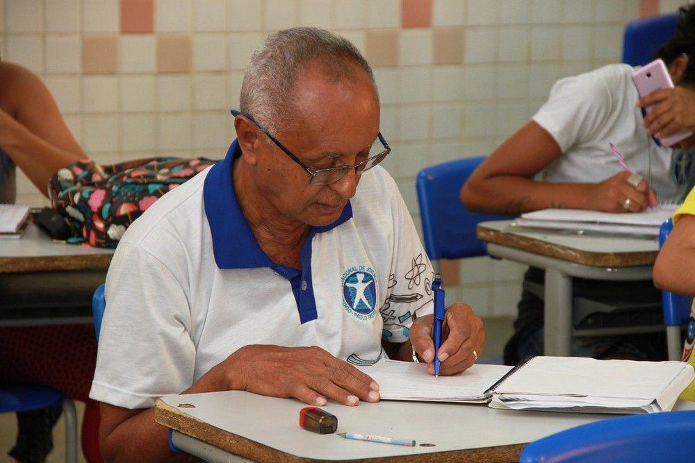 Provas do Encceja 2019 serão aplicadas em 611 municípios do país, em 25 de agosto - Crédito: Valdir Rocha/Seduc