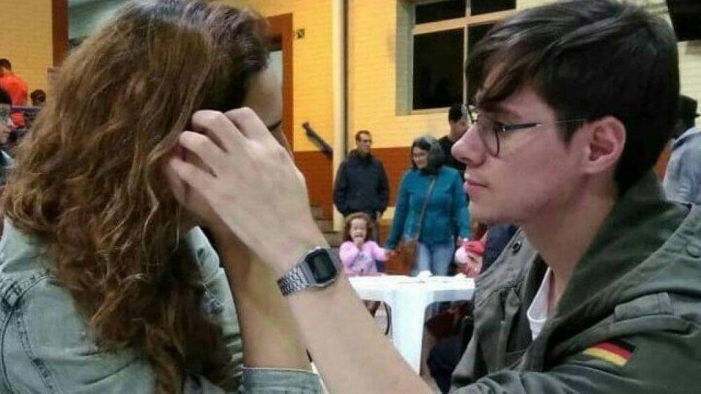 Rafael e a namorada - Foto: Facebook / Reprodução