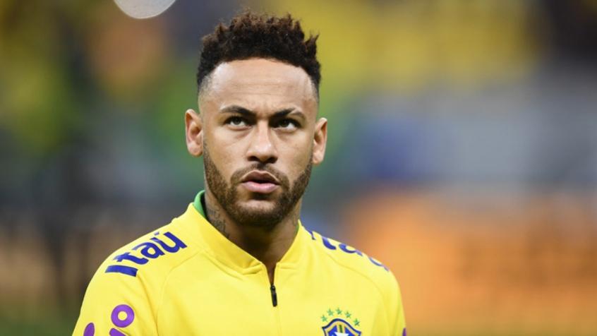 Neymar antes de amistoso entre Brasil e Qatar, jogo no qual saiu lesionado (Foto: Evaristo Sá/AFP)