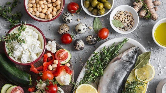 Segundo estudos, a dieta mediterrânea diminui os riscos de desenvolver Alzheimer / Foto: Getty Images