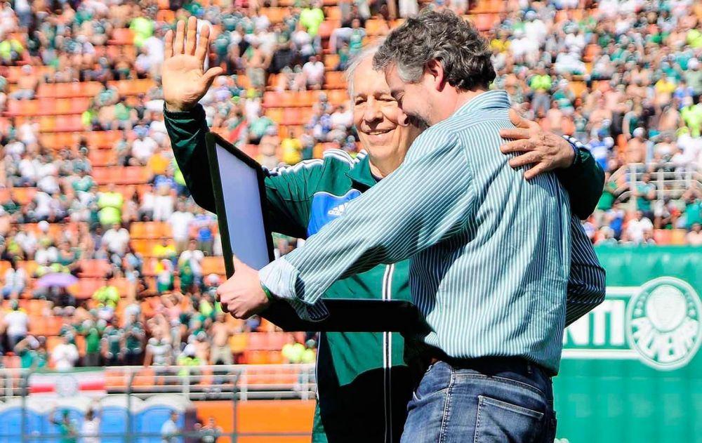 Valdir Joaquim de Morais ao lado do ex-presidente Paulo Nobre - Crédito: Marcos Ribolli / Globoesporte.com