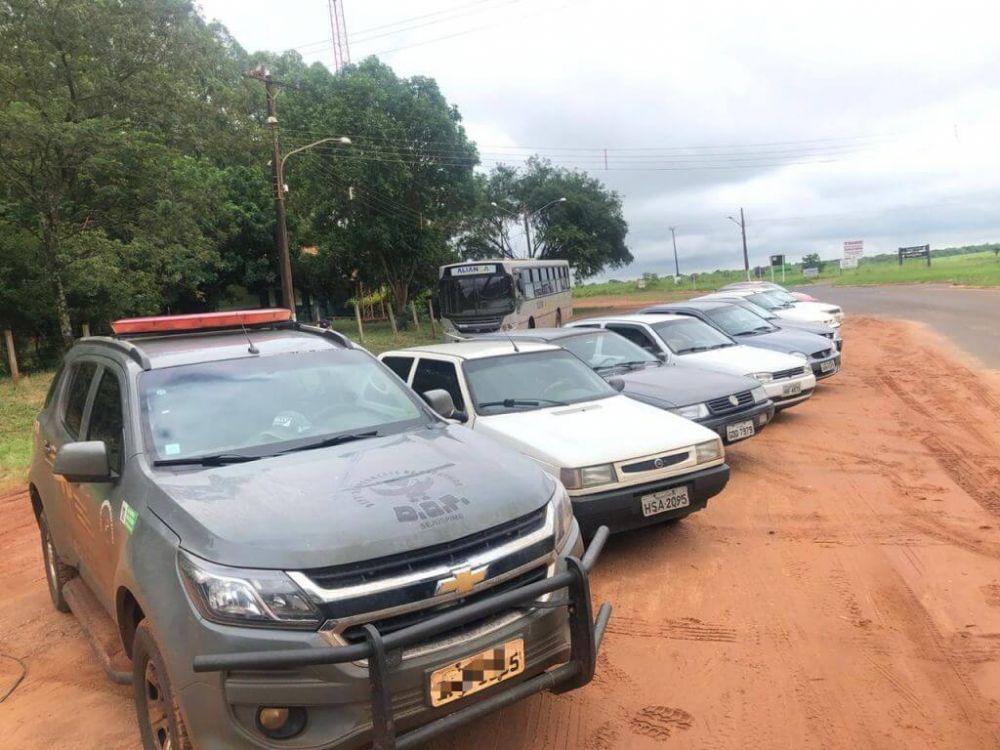 Mercadorias nos veículos não tinham documento de importação - foto: DOF